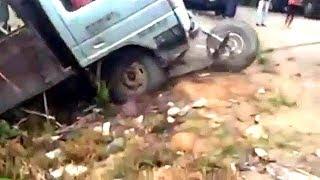 #154【トラック事故!】  トラックのトラブル、事故、無茶ぶり映像。