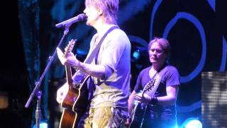 Johnny Rzeznik and the Goo Goo Dolls perform Name, Live Concord, California