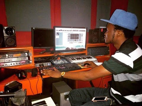The African Music Producer Makes Beats In a few Minutes & deside to do a  free style
