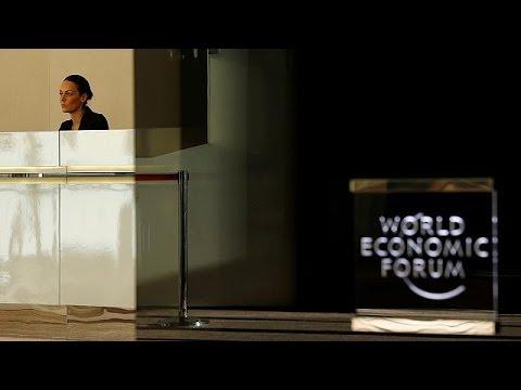 """Davos Zirvesi'nde öne çıkacak riskler: """"Bölünmüş toplumlar ve yükselen popülizm"""""""