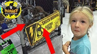 SCARED TO DEATH!!! at Spirit Halloween Store Animatronics