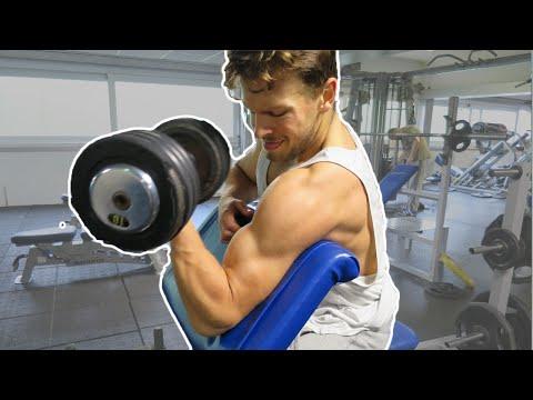 Drie biceps oefeningen voor grote gespierde armen!