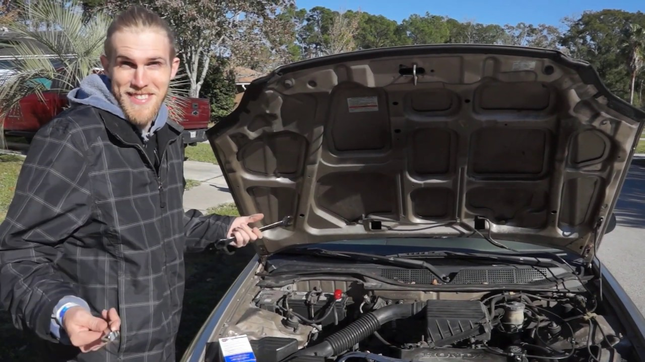civic life changing a 2000 honda civic fuel filter [ 1280 x 720 Pixel ]