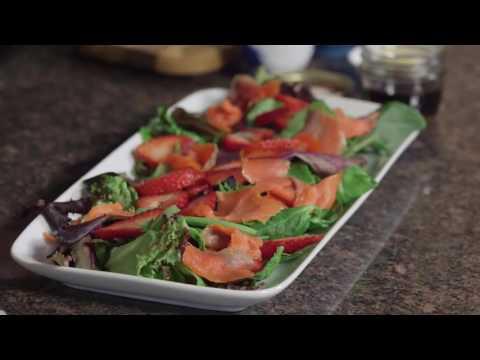Smoked Salmon Brunch Salad