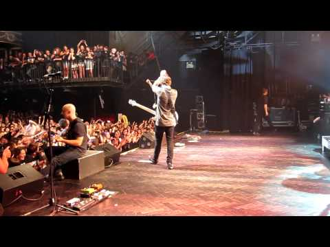 Simple Plan - I'd Do Anything (Live from Melbourne)