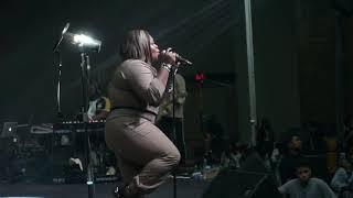 Tasha Cobbs Leonard // Forward Intimate Worship Experience