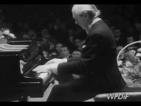 Witold Malcuzynski plays Chopin Waltz op. 70 no. 1 - video 1969