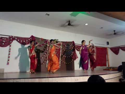 Lavni dance Apsara aali pinga g pori