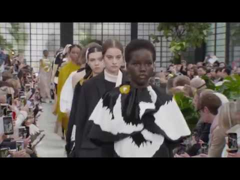 VALENTINO WOMEN'S FALL/WINTER 2018-19 COLLECTION