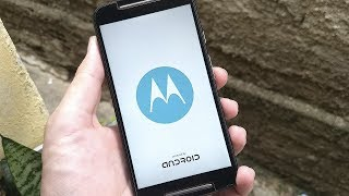 Moto G2 travado na logo da Motorola? Como resolver!