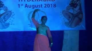 Dhadak | Title Track | Dance Cover | Ishaan Khatter | Janhavi Kapoor | Perfomed By Niharika