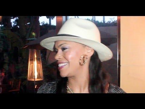 """Faith Evans Talks NEW Music, Whitney Houston and R&B Divas LA – Studio Q Exclusive"""