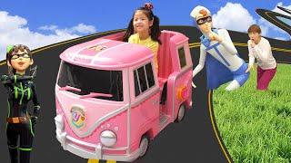 신나는 키즈카페에 놀러갔어요!! 서은이의 터닝메카드 요괴메카드 키즈카페 핑크 전동자동차 실내 놀이터 Indoor playground for Kids