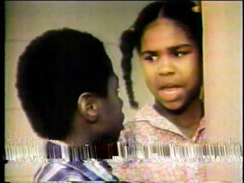 "(RARE 1980'S TV Series) ""Gettin' To Know Me""_Episode: 01_Welcome to the family Mama Violet"
