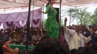Sapna dancer (choti sapna) new sapna dance video 2015