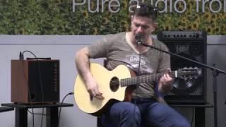 Muzz Murray - David & Schertler guitar