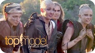 """Menschenzoo / Menschenzirkus"" Ab in den Dreck: Das Football-Shooting 