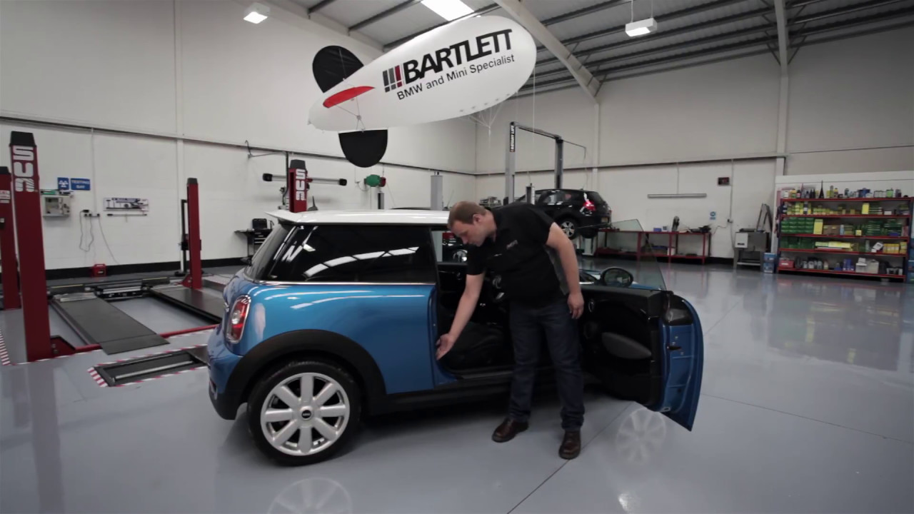 Bmw Mini How To Perform A Tyre Pressure Check Youtube