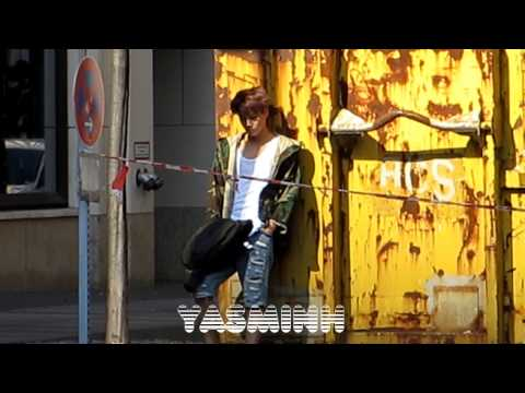 """EXO (엑소) - """"Die Jungs"""" Photoshooting + Hotel in Berlin Germany 베를린 독일 130921 - 직캠"""