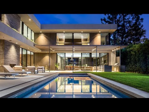 Amazing Modern Mansion in Santa Monica