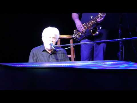 Michael Mcdonald Takin' it to the Streets Live