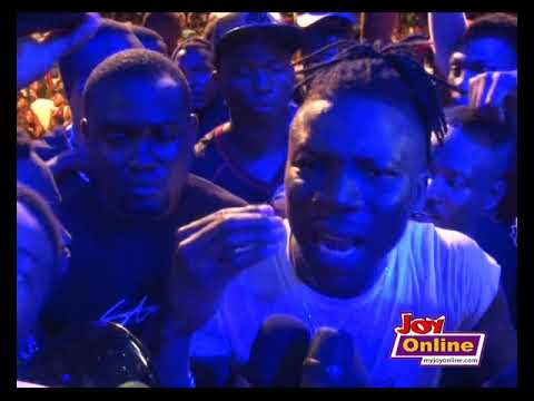 Shatta Wale makes surprise appearance at Stonebwoy's concert