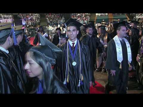 Estudiante desamparado se gradúa de Miami Dade College