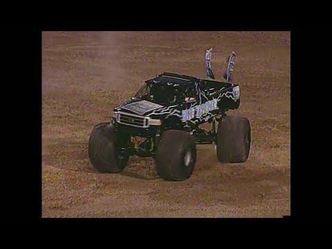 Freestyle Blue Thunder Monster Jam World Finals 2003