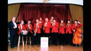 Guy Lombardo And His Royal Canadians - Enjoy Yourself (It