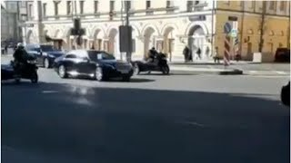 Смотреть видео Новый президент Казахстана прибыл с первым зарубежным визитом в Москву онлайн