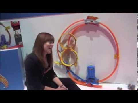 hot wheels super loop chase race by mattel youtube. Black Bedroom Furniture Sets. Home Design Ideas