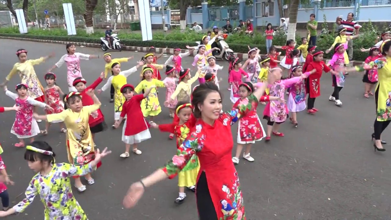 image Múa Chúc Tết Clb Sơn Ca Long Khánh
