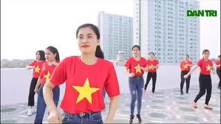 """Ấn tượng clip 40 cô giáo mầm non nhảy bài """"Việt Nam ơi""""   Báo Dân trí"""