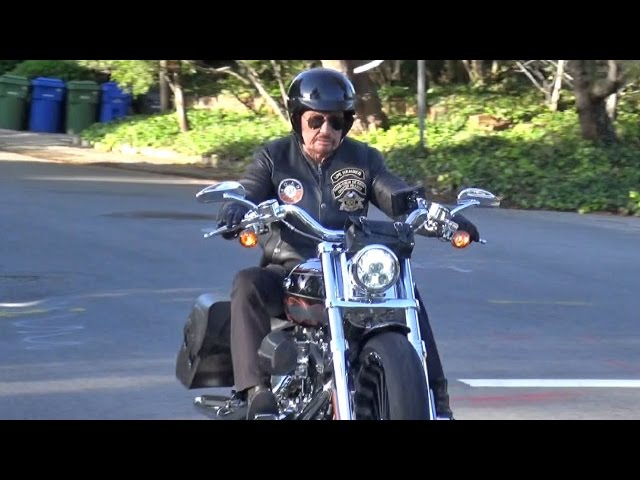Johnny sur sa Harley : pacific palissades