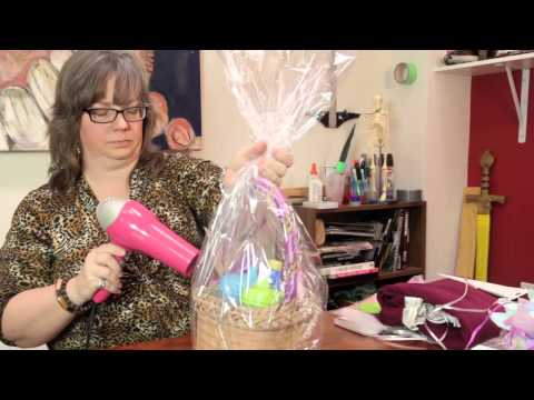How to Make a Baby Shower Gift Basket : Crafts Around the House