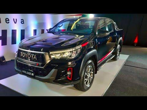 В России начали продавать обновлённые Toyota Hilux и Fortuner.
