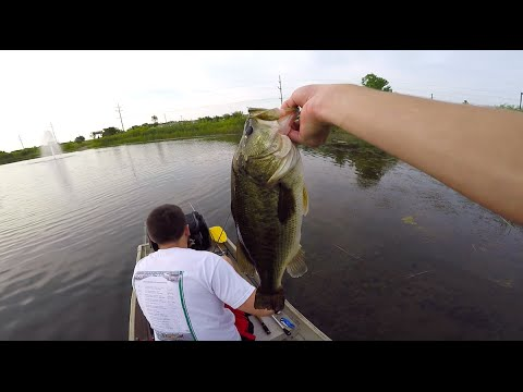 Pond Hopping In Indiana -- Summer Bass Fishing