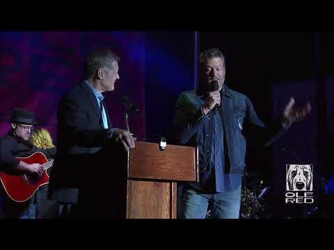 Blake Shelton Accepts Key to Tishomingo