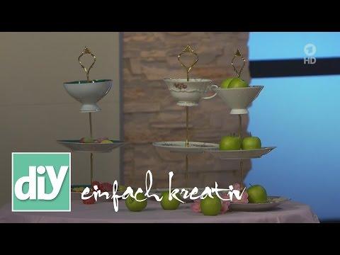 etagere aus alten tellern selber bauen doovi. Black Bedroom Furniture Sets. Home Design Ideas