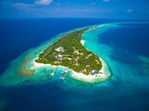 Kuramathi Island Resort, Maldives - Unravel Travel TV