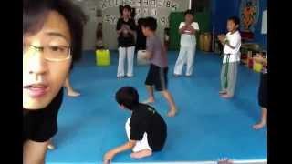 富山のカポエイラキッズクラス(Kalani's Kids)の練習風景。 富山カラニ...