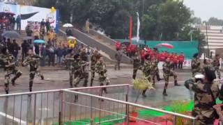 2017 Holi At Wagah Border, Indian Army Dance , jai hind , Hk Hindi Help