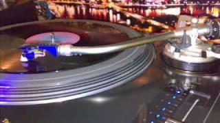 Lloydie Crucial - I Like The Way - Junglemania Vol 1 - 94 Jungle