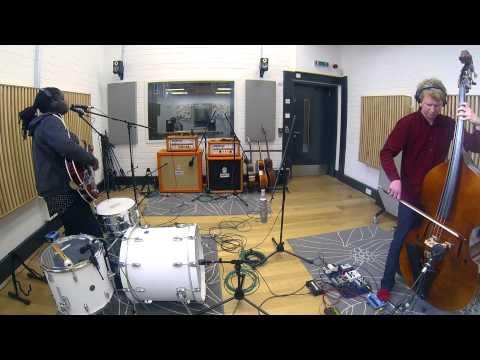 Lightboxes - Run (Live in Goldsmiths Music Studios)