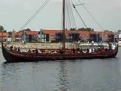 Havhingsten forlader Frederikssund havn