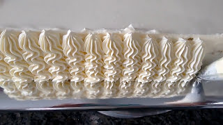 Alisando o Chantilly, e Decorando com bico 2C wilton