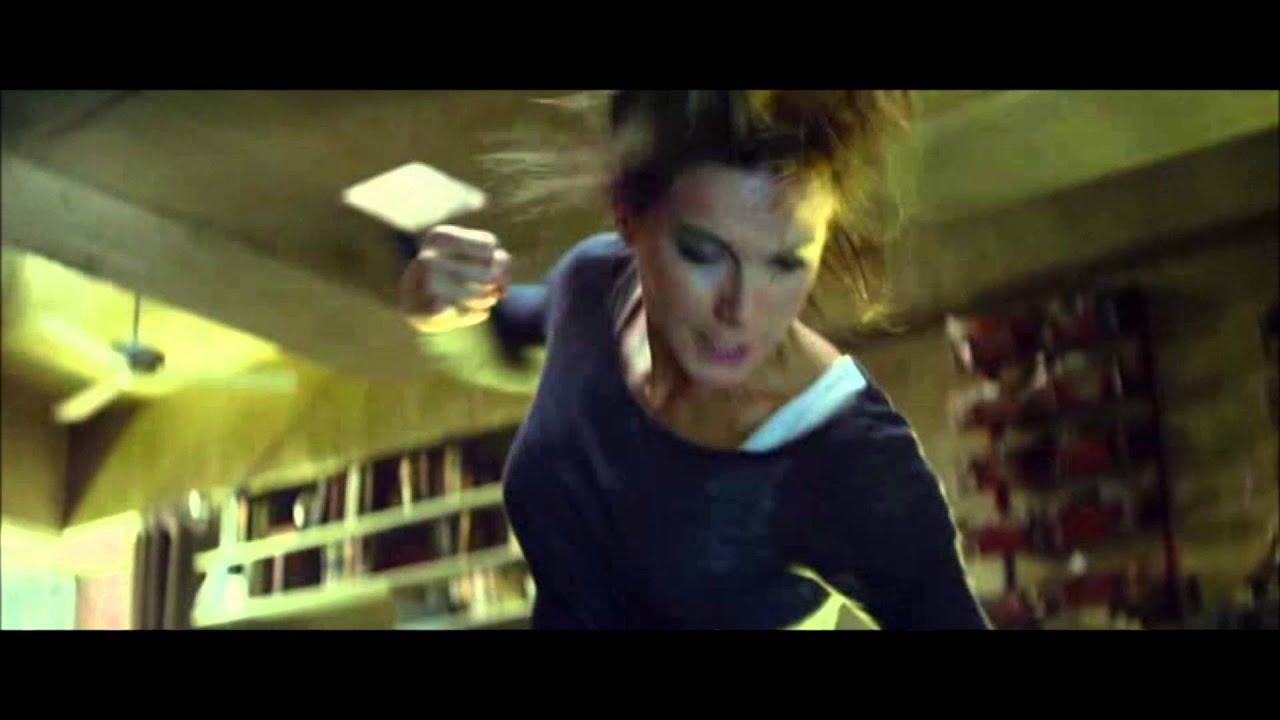 Total Recall 2012 Lori Beats Doug Youtube