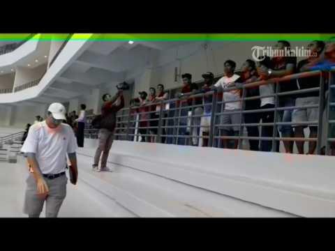 VIDEO Pelatih Persiba Balikpapan Ajak Pemain Lihat Stadion Termegah Mirip Stadion Arsenal