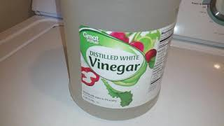 Minute Tips with Cindy: LAUNDRY & VINEGAR | Wash Smells Away