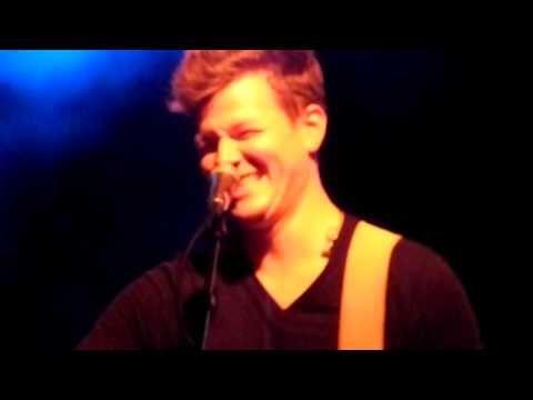 Tyler Ward - 'I Don't Wanna Miss This' & 'Falling' (feat. Alex G) In Berlin 10/22/12